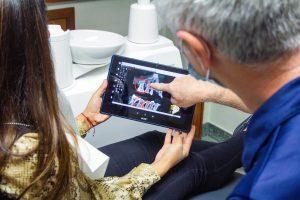 Diastema dentară. Ce putem face dacă avem prea mult spațiu între dinți?